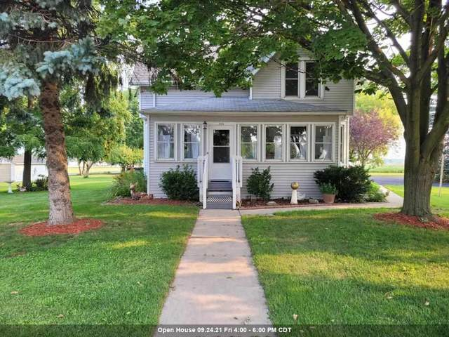 315 E State Street, Fox Lake, WI 53933 (#50245310) :: Town & Country Real Estate