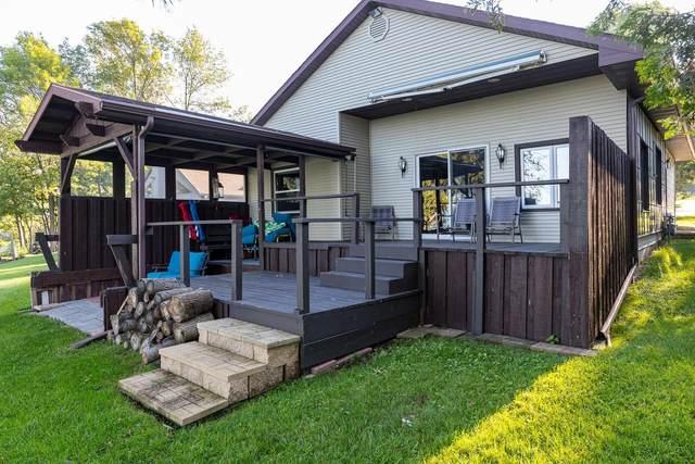 N6663 Harrison Road, Hilbert, WI 54129 (#50246692) :: Todd Wiese Homeselling System, Inc.