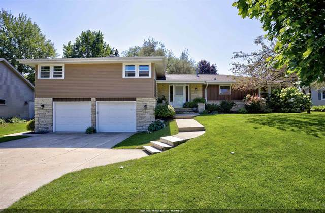 2115 Palisades Drive, Appleton, WI 54915 (#50247291) :: Todd Wiese Homeselling System, Inc.