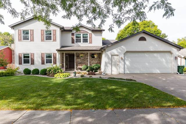 646 Windmill Drive, Kimberly, WI 54136 (#50248289) :: Todd Wiese Homeselling System, Inc.