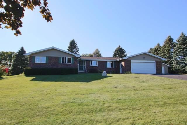 W3786 Oak Acre Drive, Fond Du Lac, WI 54937 (#50248892) :: Town & Country Real Estate