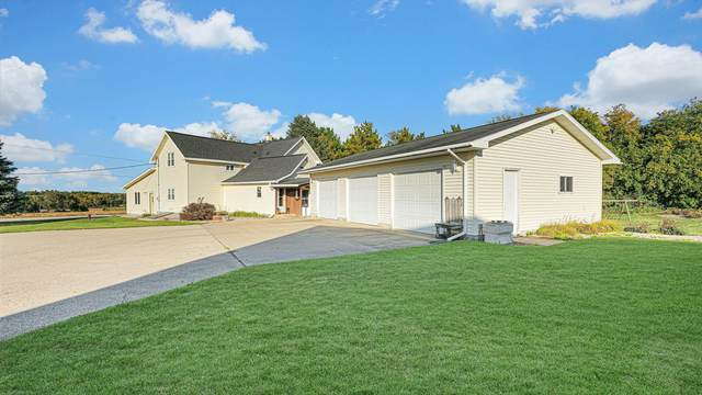 E9419 Crain Road, New London, WI 54961 (#50248941) :: Todd Wiese Homeselling System, Inc.