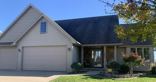 1401 W Brickstone Court, Appleton, WI 54914 (#50249167) :: Todd Wiese Homeselling System, Inc.