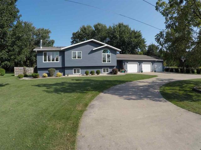 122 Klompen Court, Neenah, WI 54956 (#50171304) :: Todd Wiese Homeselling System, Inc.