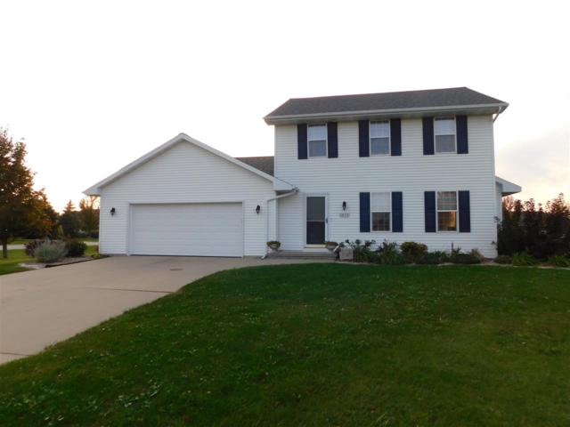 1633 Charles Drive, Luxemburg, WI 54217 (#50173646) :: Todd Wiese Homeselling System, Inc.