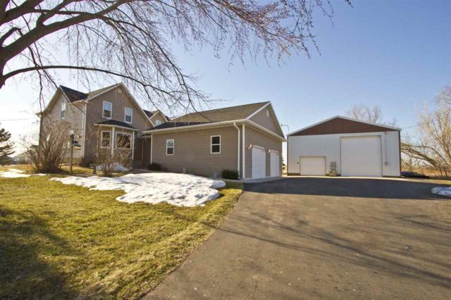 W3601 Hwy Vv, Seymour, WI 54165 (#50181834) :: Dallaire Realty