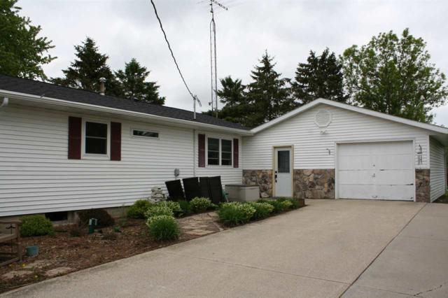 N3330 Oak Center Road, Oakfield, WI 53065 (#50185363) :: Symes Realty, LLC
