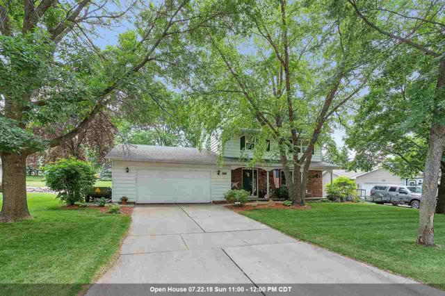 2251 Balsam Way, Green Bay, WI 54313 (#50186026) :: Todd Wiese Homeselling System, Inc.