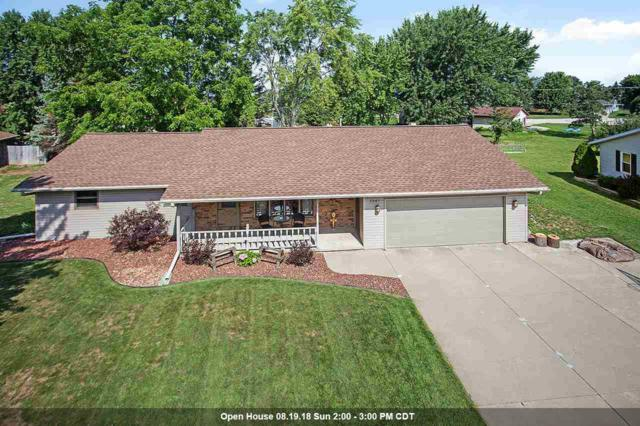 2040 London Road, Green Bay, WI 54311 (#50188885) :: Dallaire Realty
