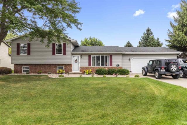 2877 Scenic Drive, Oshkosh, WI 54904 (#50189347) :: Todd Wiese Homeselling System, Inc.