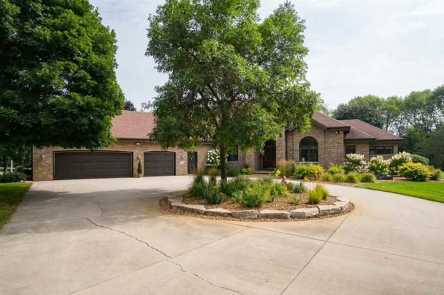 4490 Stonewood Drive, Oshkosh, WI 54902 (#50190087) :: Symes Realty, LLC