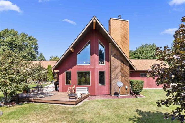 6749 Woodenshoe Road, Neenah, WI 54956 (#50190353) :: Dallaire Realty