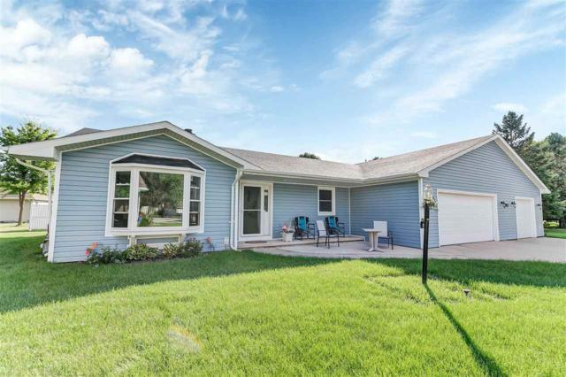 726 Kickapoo Place, De Pere, WI 54115 (#50191146) :: Todd Wiese Homeselling System, Inc.
