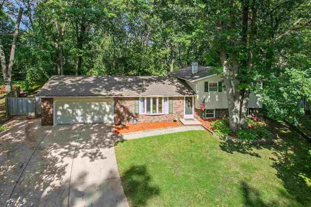 2206 White Oak Terrace, Green Bay, WI 54304 (#50192340) :: Dallaire Realty