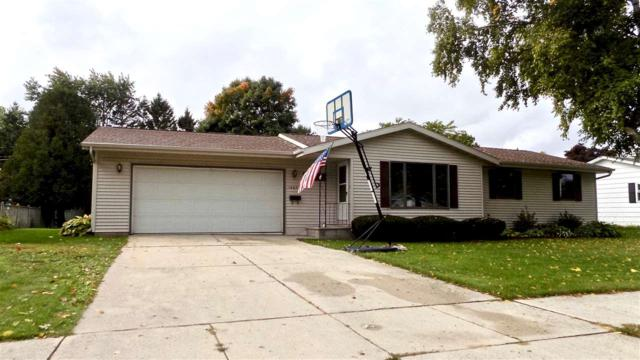 1403 Hillcrest Avenue, Kewaunee, WI 54216 (#50192635) :: Dallaire Realty