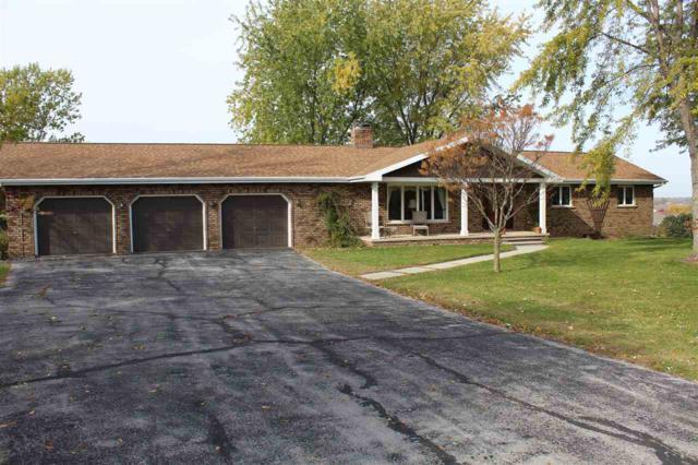 2420 Oak Ridge Circle, De Pere, WI 54115 (#50193833) :: Dallaire Realty