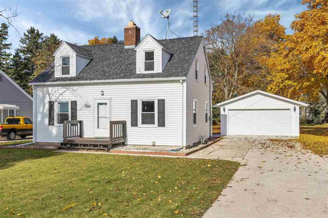 2912 Memorial Drive, Two Rivers, WI 54241 (#50194224) :: Todd Wiese Homeselling System, Inc.