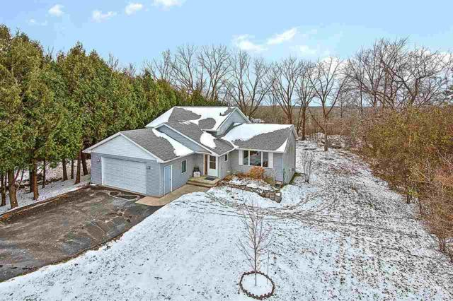8469 Lee Street, Larsen, WI 54947 (#50194710) :: Dallaire Realty
