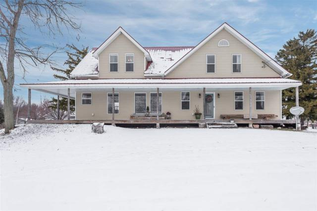 5922 N Lake Road, Mishicot, WI 54228 (#50195398) :: Todd Wiese Homeselling System, Inc.