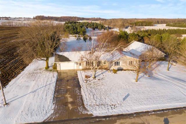 E2282 Hill Road, Luxemburg, WI 54217 (#50195438) :: Todd Wiese Homeselling System, Inc.