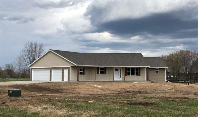 520 Prairie Gardens Lane, Pulaski, WI 54162 (#50196425) :: Symes Realty, LLC