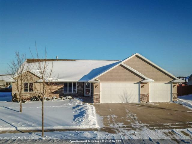651 Arnie Street, Combined Locks, WI 54113 (#50197142) :: Dallaire Realty
