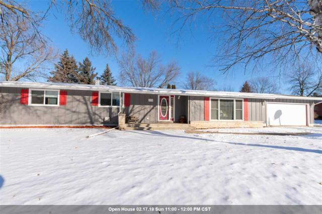 1370 Maricopa Drive, Oshkosh, WI 54904 (#50197285) :: Todd Wiese Homeselling System, Inc.