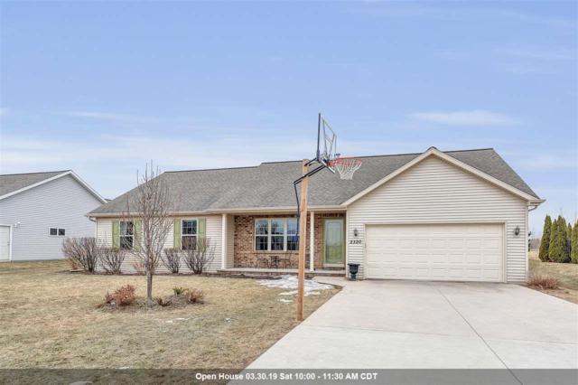 2320 Oak Ridge Circle, De Pere, WI 54115 (#50199175) :: Todd Wiese Homeselling System, Inc.