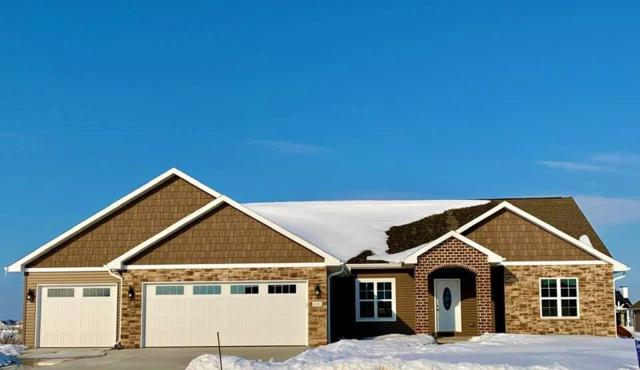 1020 Cider Drive, De Pere, WI 54115 (#50200124) :: Todd Wiese Homeselling System, Inc.