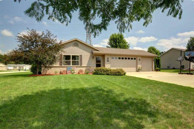W6368 Boonesborough Drive, Greenville, WI 54942 (#50200691) :: Todd Wiese Homeselling System, Inc.