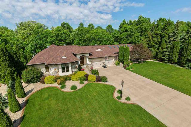 106 Edgewood Lane, Combined Locks, WI 54113 (#50201059) :: Dallaire Realty