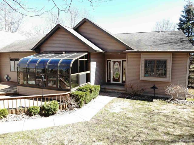 W7597 Highview Court, Shiocton, WI 54170 (#50201285) :: Symes Realty, LLC