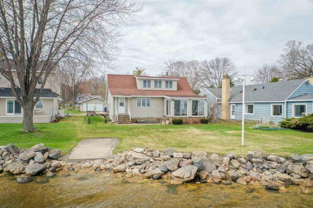 624 Hunters Point Road, Neenah, WI 54956 (#50201442) :: Dallaire Realty
