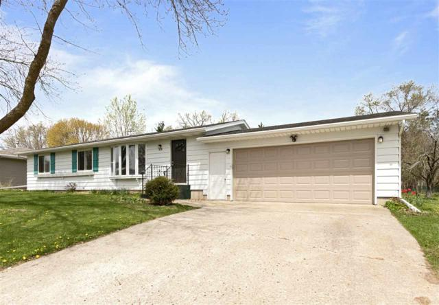 375 Kennedy Drive, Berlin, WI 54923 (#50202551) :: Todd Wiese Homeselling System, Inc.