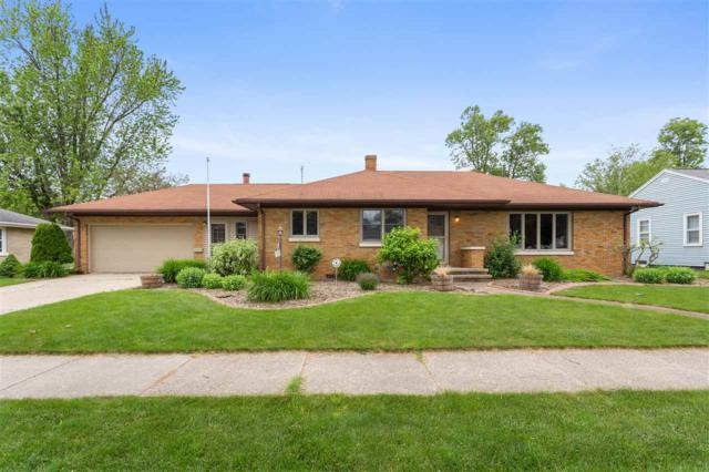 260 S Helen Street, Kimberly, WI 54136 (#50205629) :: Dallaire Realty