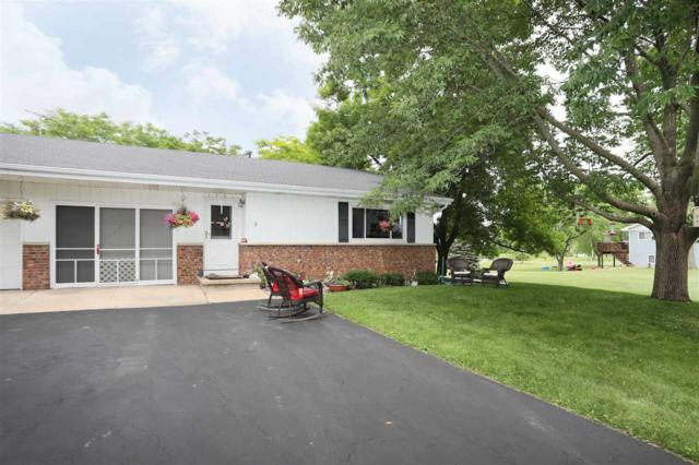 1761 Parkwood Drive, Oshkosh, WI 54304 (#50206016) :: Dallaire Realty