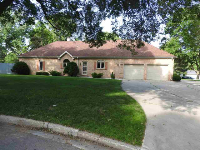 1320 Oak Crest Drive, Green Bay, WI 54313 (#50207019) :: Symes Realty, LLC