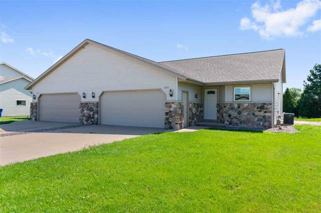 1329 S Franco Court, De Pere, WI 54115 (#50209764) :: Todd Wiese Homeselling System, Inc.