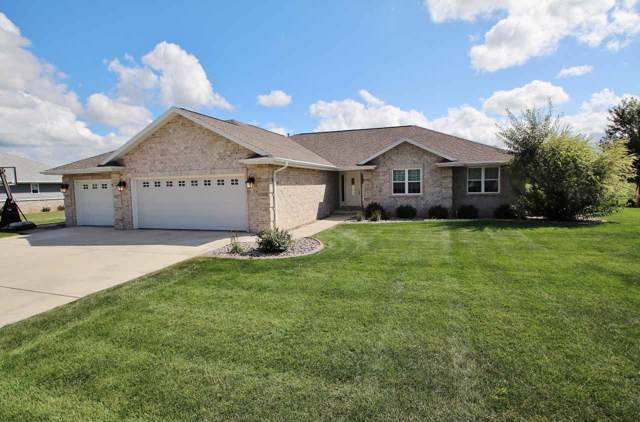 1547 Red Maple Road, De Pere, WI 54115 (#50210148) :: Todd Wiese Homeselling System, Inc.