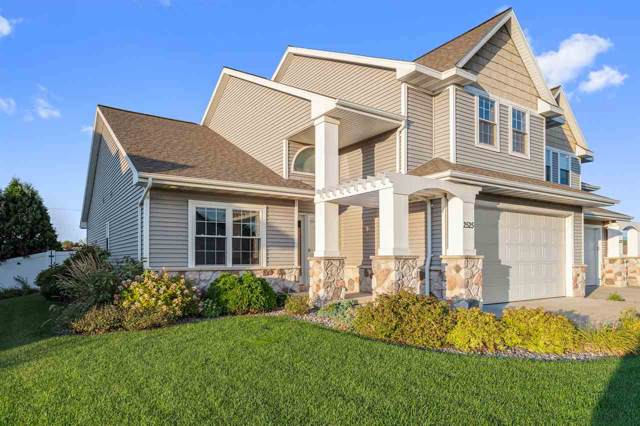 2525 W Crais Court, De Pere, WI 54115 (#50210290) :: Todd Wiese Homeselling System, Inc.