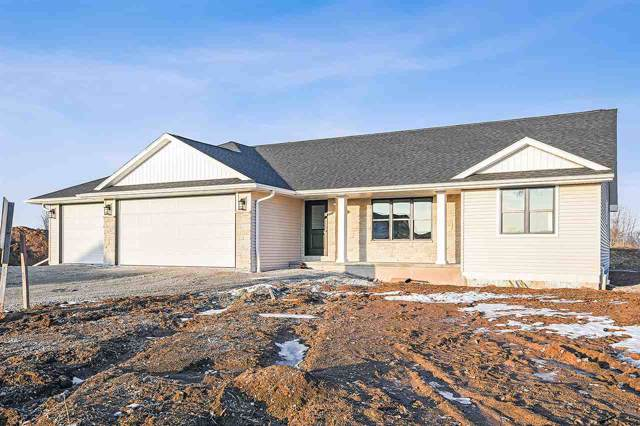 1742 Bridgeport Circle, De Pere, WI 54115 (#50211644) :: Todd Wiese Homeselling System, Inc.