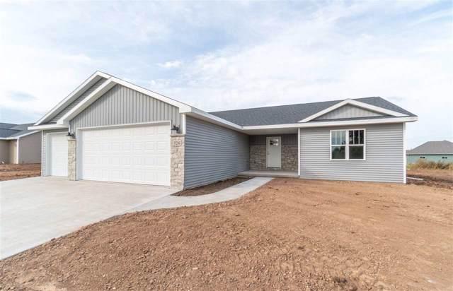 524 Emons Road, Appleton, WI 54915 (#50212154) :: Todd Wiese Homeselling System, Inc.