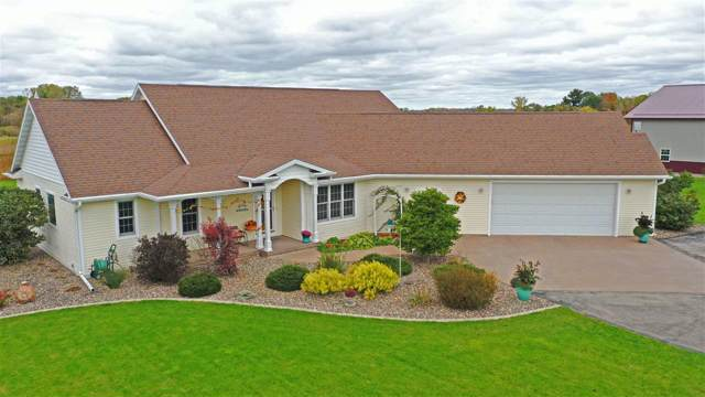 5273 N State Road, Black Creek, WI 54106 (#50212961) :: Todd Wiese Homeselling System, Inc.