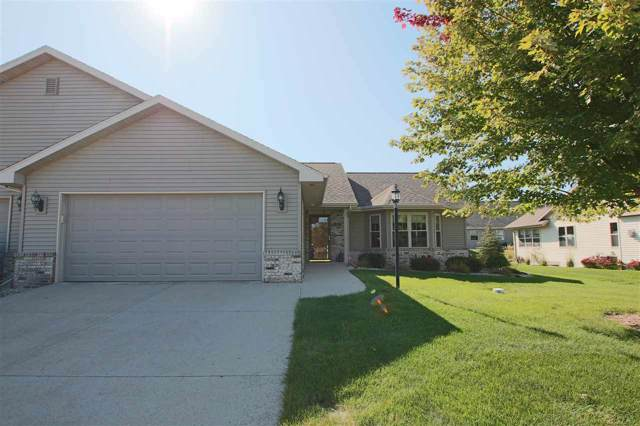 1382 Eastwind Lane, Fond Du Lac, WI 54935 (#50213368) :: Dallaire Realty