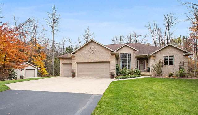 5969 Valley Haven Court, Little Suamico, WI 54141 (#50213388) :: Symes Realty, LLC