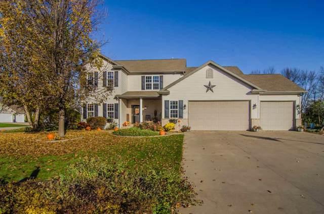 2008 Hidden Creek Road, Neenah, WI 54956 (#50213437) :: Todd Wiese Homeselling System, Inc.