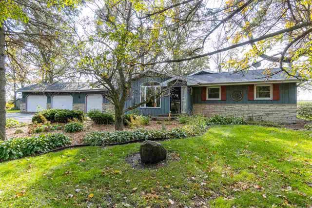 1242 Glane Court, Oshkosh, WI 54902 (#50213876) :: Todd Wiese Homeselling System, Inc.