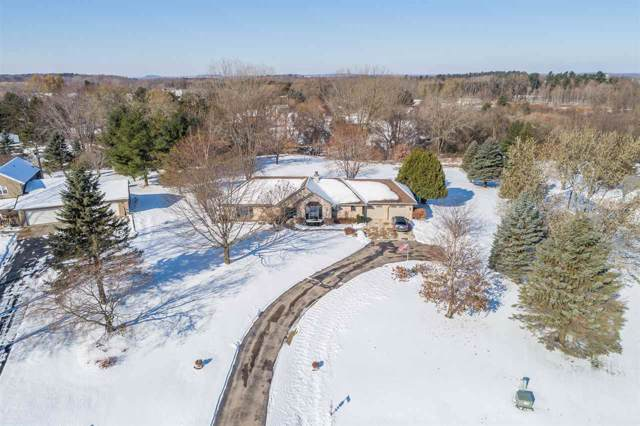 N2941 Valley View Drive, Hortonville, WI 54944 (#50214416) :: Todd Wiese Homeselling System, Inc.