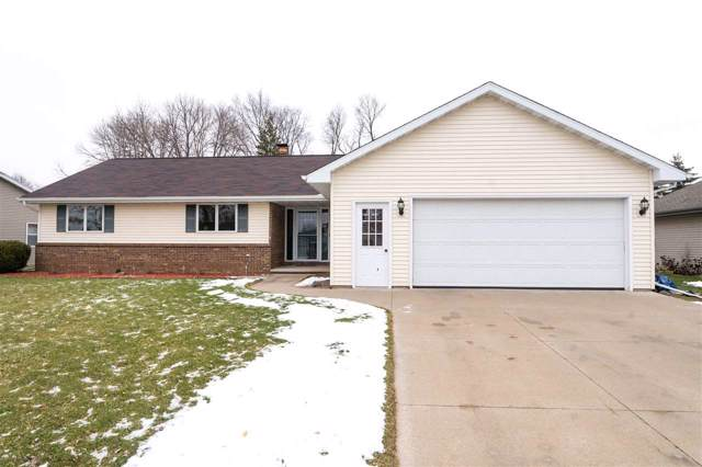 W2635 Mapleridge Court, Appleton, WI 54915 (#50215576) :: Todd Wiese Homeselling System, Inc.