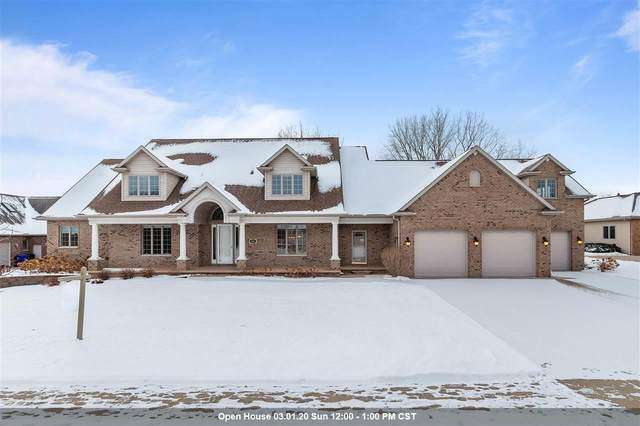 301 E Crossing Meadows Lane, Appleton, WI 54913 (#50215639) :: Todd Wiese Homeselling System, Inc.